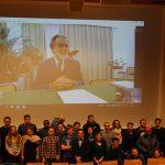 Skype-Conference con un gruppo di studenti provenienti da tutto il mondo